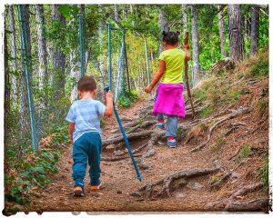 @lauranaturalmente niños en el monte
