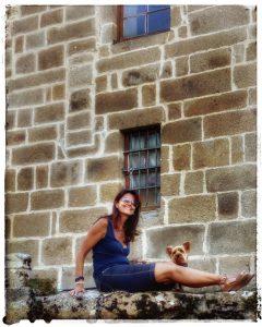 @laura_naturalmente Ulises y Laura en el Monasterio de Santa Catalina en Ares