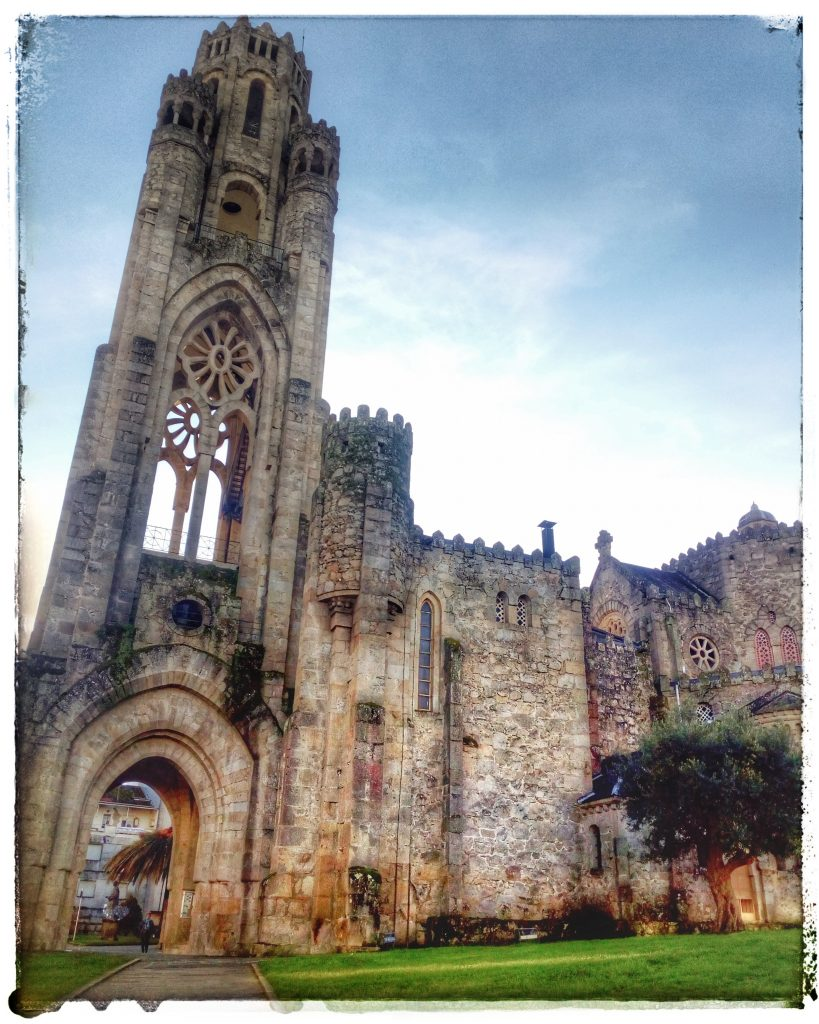 @laura_naturalmente Templo de la Veracruz en Orense