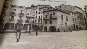 @lauranaturalmente Plaza de la Catedral o Plaza de Alfonso XIII de Mondoñedo.