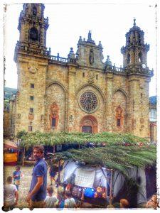 @lauranaturalmente Delante de la Catedral - Feria Medieval de Mondoñedo