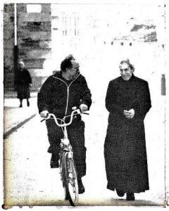 @lauranaturalmente Obispo de Mondoñedo Gea Escolano y el querido Sacerdote Don Jaime Cabot
