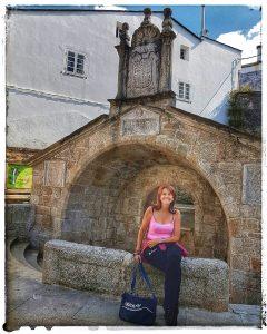 @lauranaturalmente Fonte Vella, Fuente Vieja, o Fonte de Álvaro Cunqueiro - Mondoñedo ciudad Pueblo de Mondoñedo