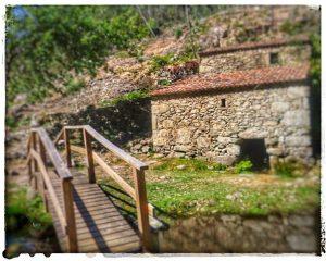 @lauranaturalmente Molinos Picón y Folón en O Rosal - Pontevedra - Puentes de Madera - Buena señalización.