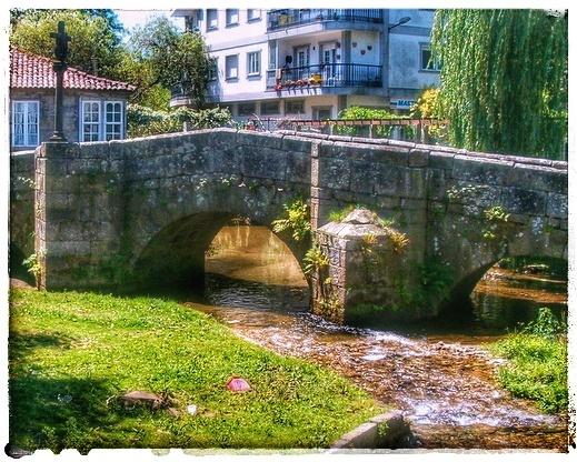 @lauranaturalmente ponte bermaña en Caldas de Reis.