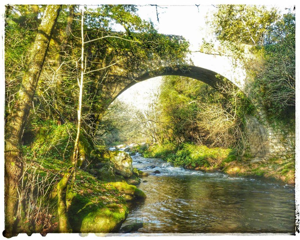 @lauranaturalmente el Puente de Segade o Ponte de Segade en Caldas de Reis en Pontevedra.