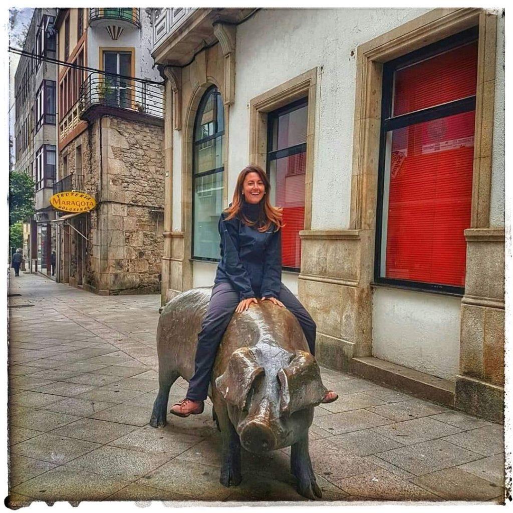 @lauranaturalmente en el cerdo de Lalín. Subida al lomos del porco de lalín en Pontevedra.