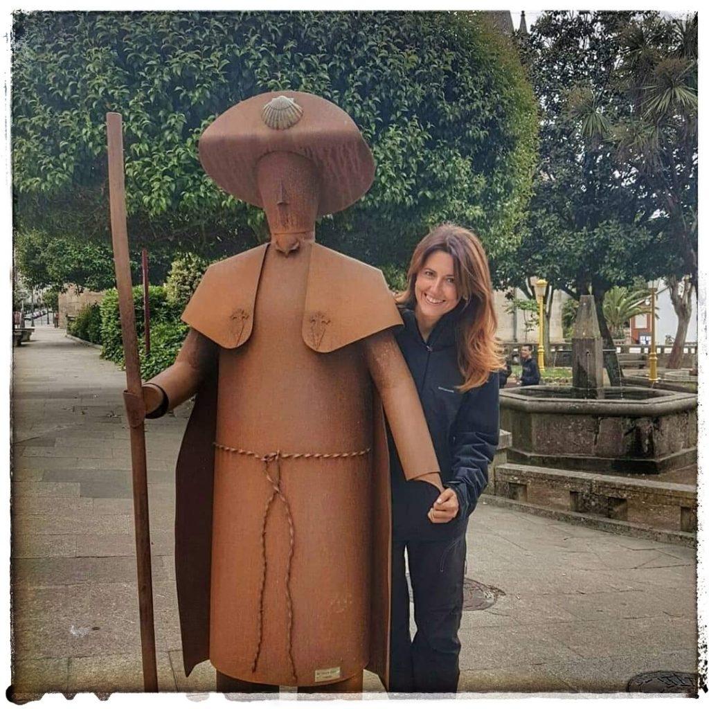 @lauranaturalmente monumento al peregrino en Lalín, en Pontevedra.